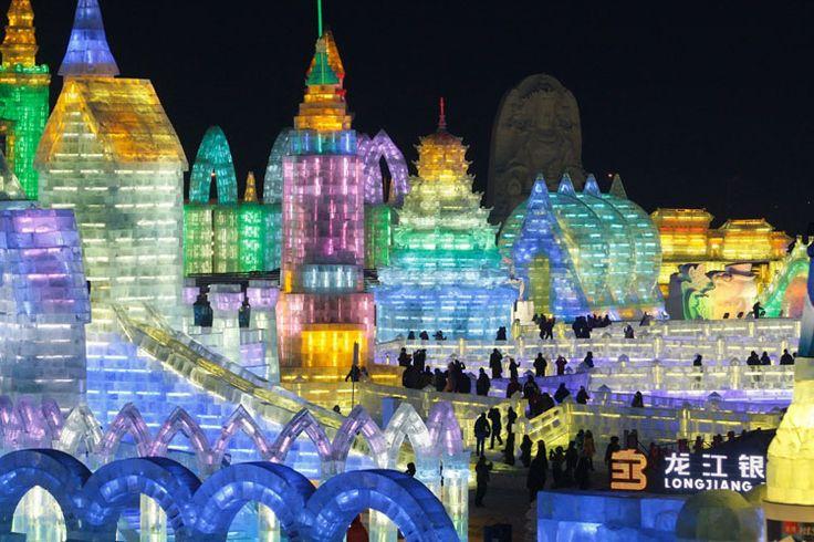 Foto delle sculture di ghiaccio all'Harbin Ice Festival n.05
