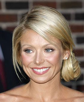 Stylist Oscar Blandi's favorite pick: Kelly Ripa  Love the look: Kelly has longer layers framing her heart-shaped face so that it can still be styled and pulled...