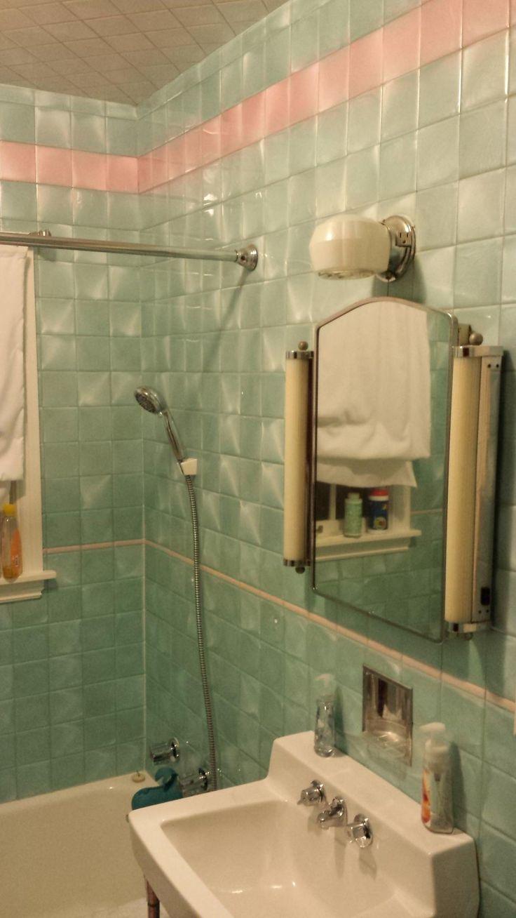 1946 yellow and grey tile bathroom - 1 Mln Bathroom Tile Ideas