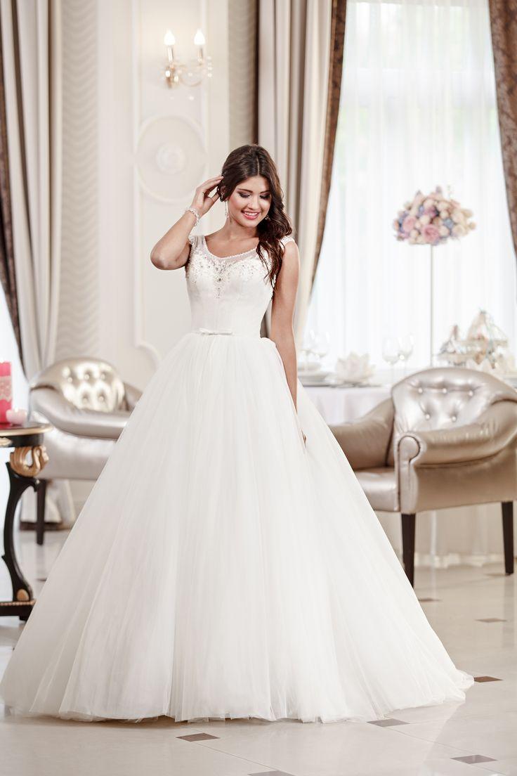 2016 Classic Collection Weddding Dress Maxima Bridal  15.16