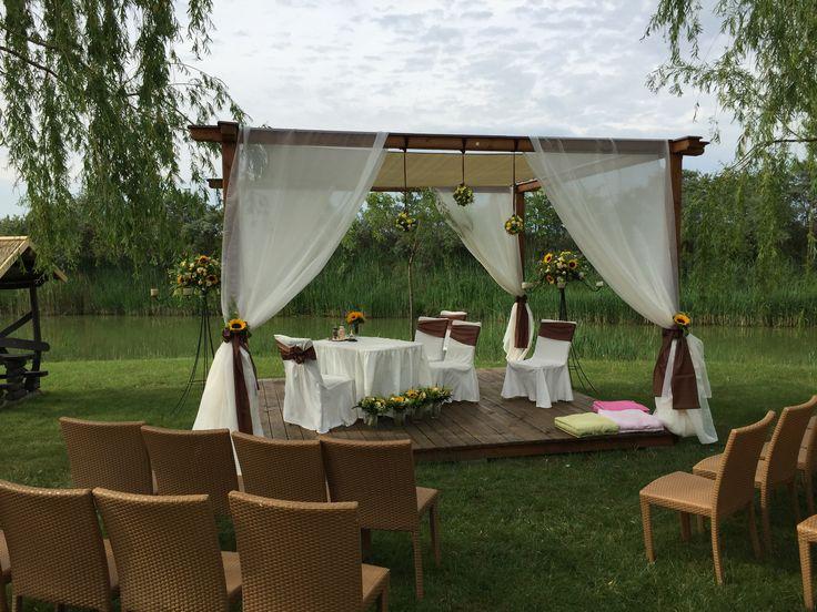 wedding decoration in the garden