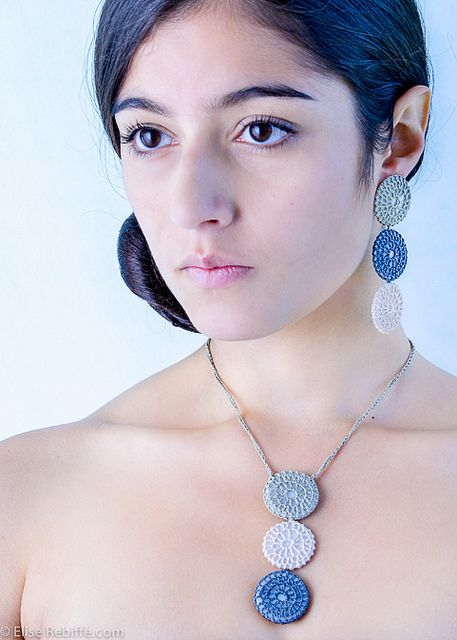 crochet necklace & earrings. Pendientes y collar crochet