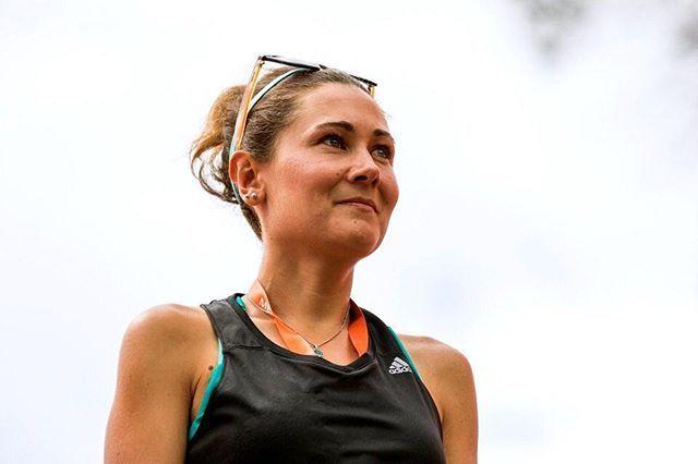Desde Francia llegó nuestra embajadora para este 2018 Caroline Sebert de familia de corredores amante de la pedagogía y la naturaleza viene a aportar toda su experiencia en el trail su energía y sonrisa característica a la CREW se suma a @santiagofmv y @nicodonoso30  Bienvenida Caroline  . .  #stgomrco #buff #petzl #cabradelmonte #cervezaquimera #healthbalance #garmin #club #equipo #crew #training #run #runner #mountain #trailrunning #ultratrail #running #outside #experience #getoutside…
