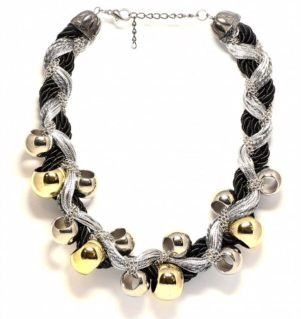 Beautifully weaved necklace for any occasion!