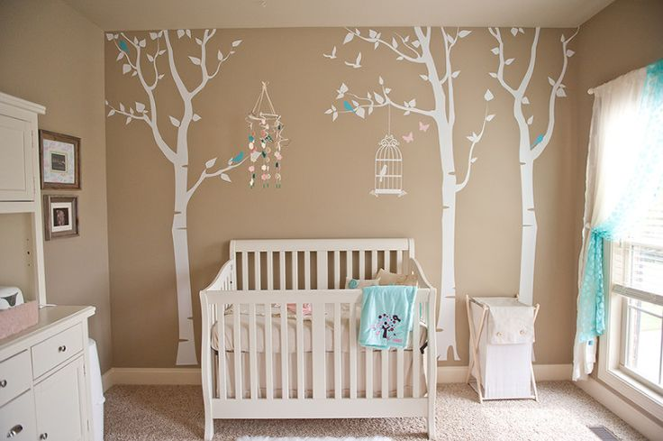 Love the classic look of this neutral nursery featuring birch tree decals from @popdecors!