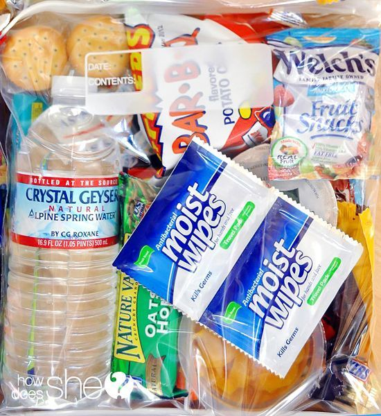 Blessing Bags...teach your kids the gift of charity and service! www.howdoesshe.com #blessingbags