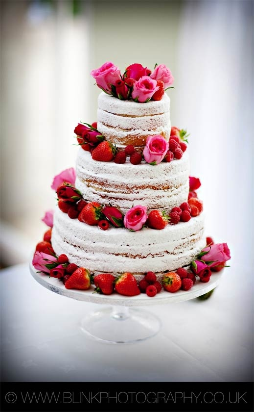 A refreshingly different summer wedding cake