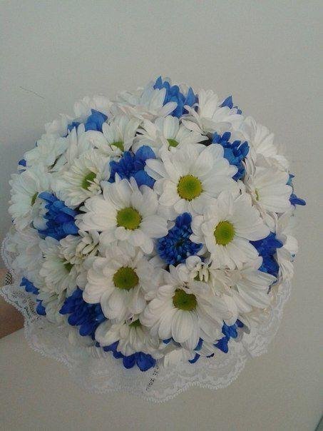 Букет из синих роз и белых ромашек фото, доставка цветов круглосуточно