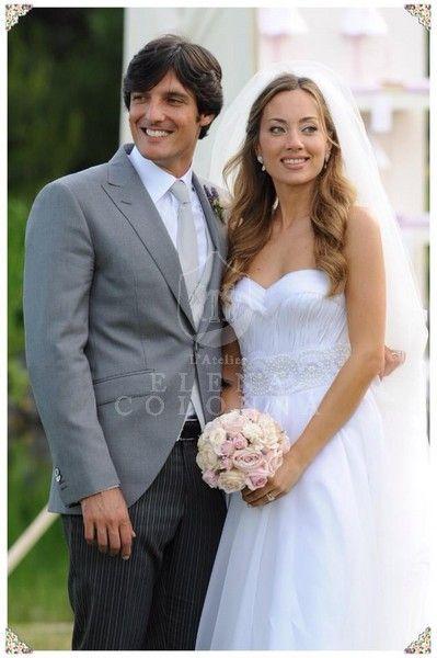 Stile provenzale, eleganza e romanticismo per un abito da sposa sartoriale de L'Atelier Elena Colonna.