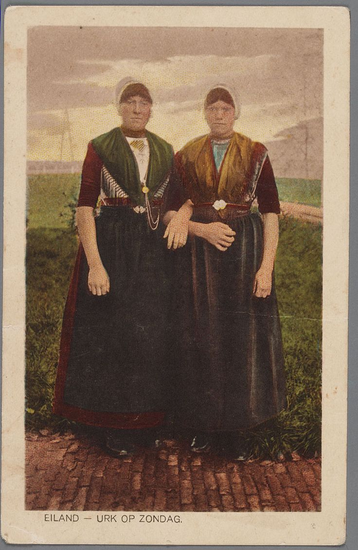 Netherlands: Urk op zondag 1920-1930