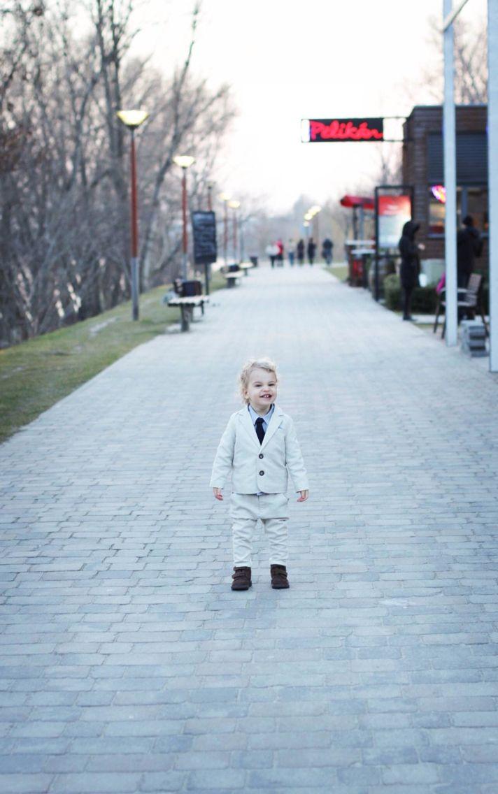 Photoshoot Wonder?Woman blog first stylist job Baby wedding outfit