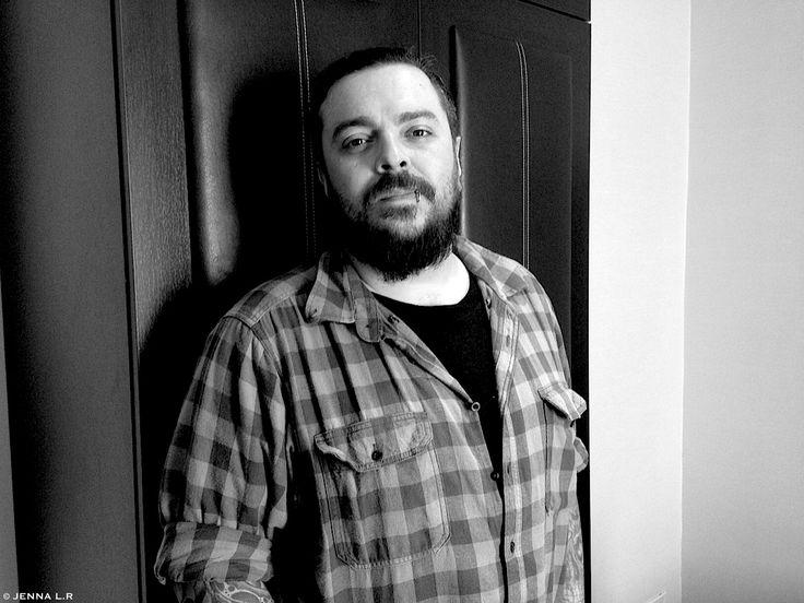"""Hier, Shaun Morgan de Seether était en promotion à Paris pour la sortie de leur nouvel album """" Poison The Parish """" disponible le 12 Mai chez Spinefarm Records distribution Caroline International France.  Son message : https://youtu.be/YDf650SvwOg"""