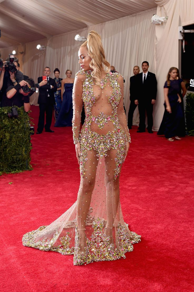 Beyonce's Met gala dress is hands down the most incredible AND naked in history. See it from every angle.