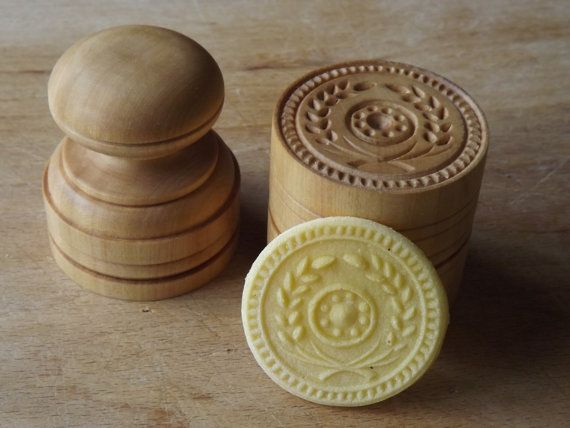 """CORZETTI PASTA Stamp = 1 Handle + 1""""Garland"""" Stamp handturned, handcarved, in Maple Chiantishire, only my hands & gouges"""
