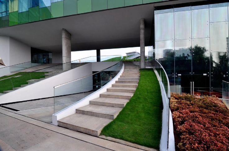 The Vivanta Bangalore, WOW Architects, Индия Интеграция природных элементов