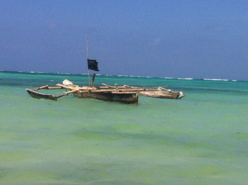 Tanzania - Raft on the Tanzania's sea