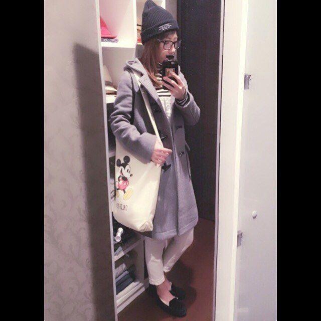 kyasa_0733おはようございます(*˘︶˘*).。.:*♡ いつもいいね、コメント ありがとうございます❤️ 今日は長男の美容院と、その後お買い物に 行ってきます✨✨ コーデは ☆ローリーズファームのダッフル ☆スピックアンドスパンのサロペ ☆イングのボーダータートル ☆uggのモカシン ☆ローリーズファームのニット帽 ☆ミッキートート  #今日のコーデ #今日の服 #コーデ #コーディネート #ママコーディネート #サロペット #スピックアンドスパン #ローリーズファーム #ダッフルコート #ニット帽 #イング #ボーダー #ugg #モカシン #ミッキー #トートバッグ #だてめ #3兄弟ママ #男の子ママ