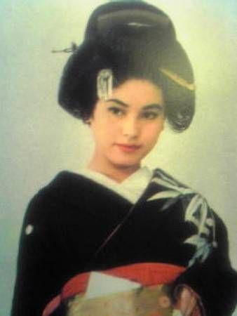 若いころのデヴィ夫人 #6