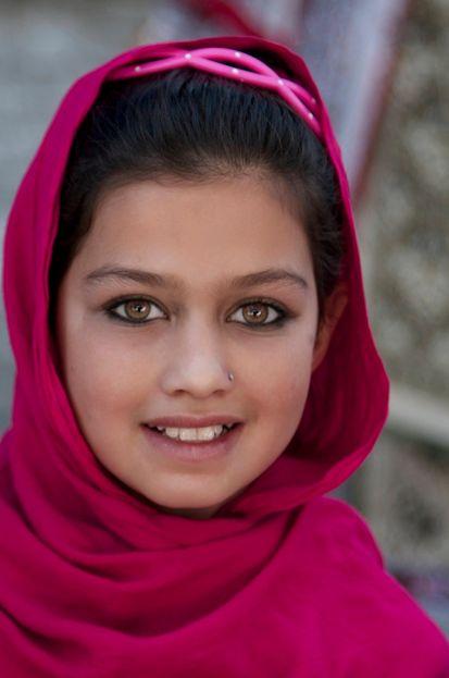 まるで未知なる世界!イスラム教女性の服装事情のサムネイル画像