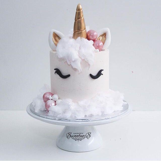 17 Best ideas about Unicorn Birthday Cakes on Pinterest ...