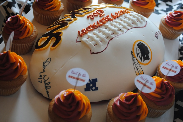 This is the Birthday Cake that I want for my Birthday when we have my 40th Bday party when the Skins and Ravens play!!!