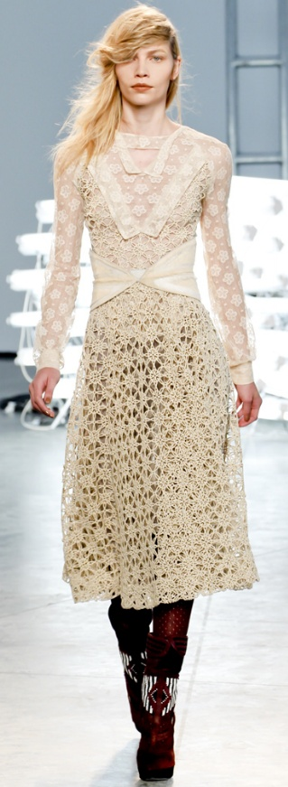 We see more and more crochet on the runway. This is from Access Fashion blog.