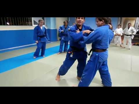 judo Ko soto gari into O soto gari by Takis Vakatasisn