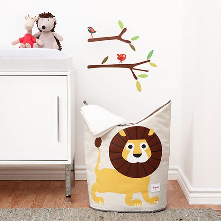 Praktisk og sød vasketøjskurv/opbevaringspose fra 3 Sprouts. Med denne fine vasketøjspose bliver det sjovere at få vasketøjet ad vejen. Kan også bruges til opbevaring af legetøj og bøger.