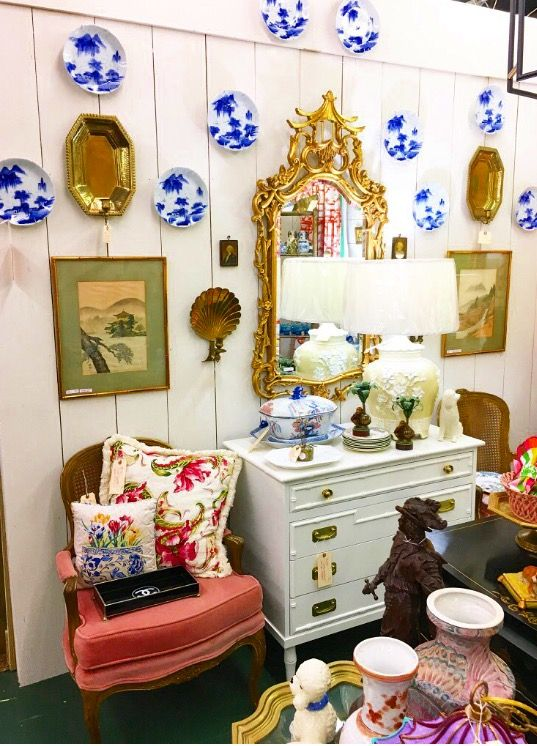 Antique U0026 Vintage Blue And White Plates, Vintage French Bergere Chairs,  Gold Chinoiserie Mirror