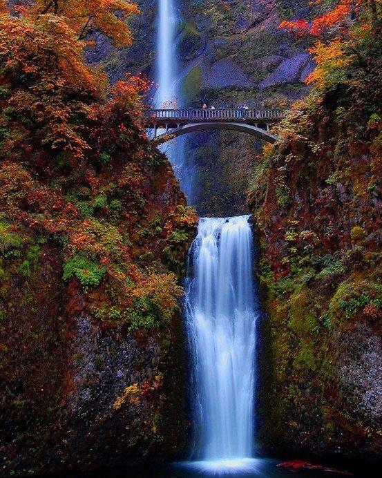 Waterfalls Multnomah Falls, Oregon, USA