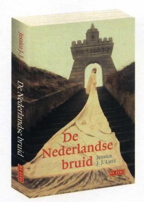 Jessica J.J. Lutz - Hoera! De baby is geboren.Het boek is er. De Nederlandse Bruid. Terwijl ik dit schrijf reizen de dozen naar boekhandels in heel Nederland en Vlaanderen, waar het vanaf morgen (11 november) te koop...