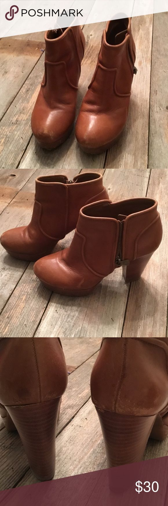Gianni Bini Booties Gianni Bini booties Size 8. Worn in a little. Still in great condition. Leather. Gianni Bini Shoes Ankle Boots & Booties