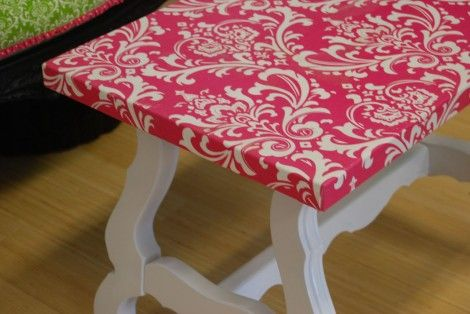 Luv the pop of pink. I want to do this for those (Ugly) wooden tv trays (you know which ones;)