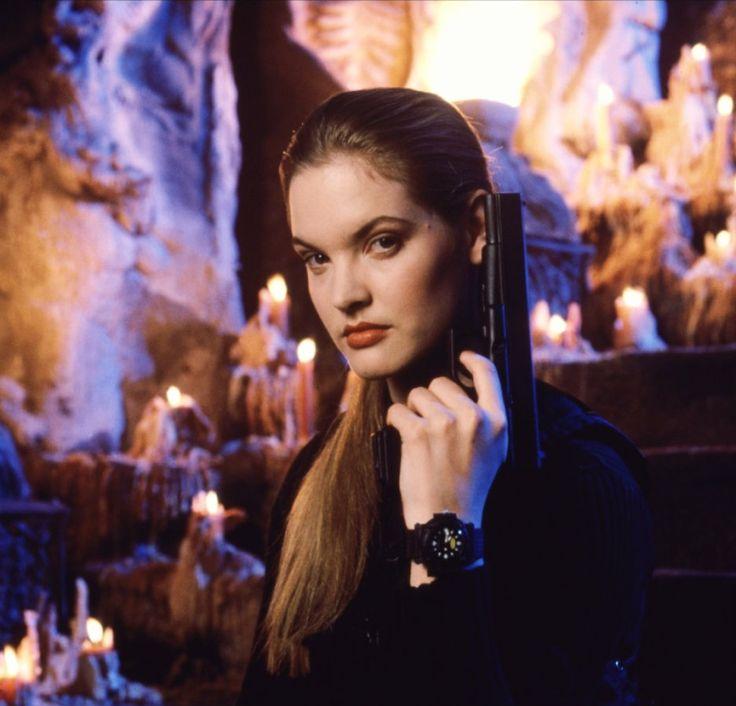 Bridgette Wilson-Sampras as Sonya Blade in Mortal Kombat ...