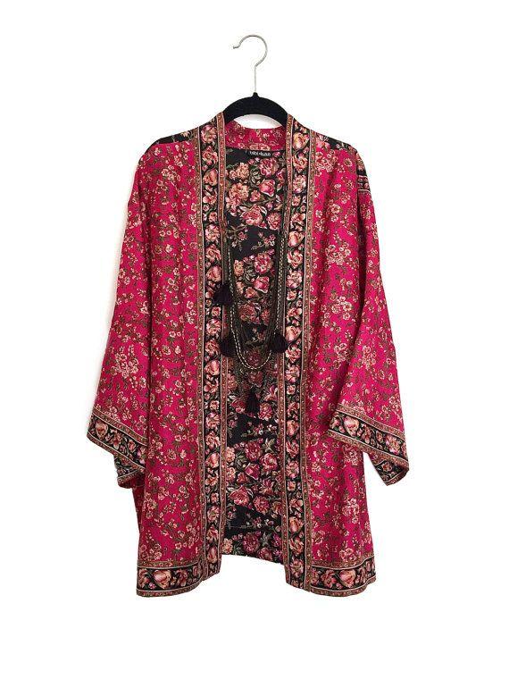 Silk Kimono jacket / cover up in black and pink di Bibiluxe