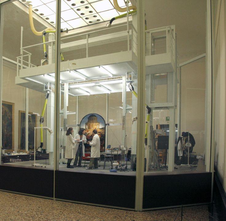 Nel percorso della Pinacoteca vi imbatterete anche nel laboratorio di Restauro. #NBTWart #NBTW #MiBACTsocial