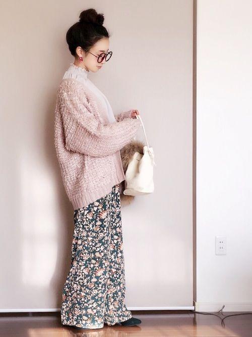 ローズバッドのプリントパンツ! 個性派な柄と配色でお気に入りです(^ ^)♡ ピンク×グリーンも好き