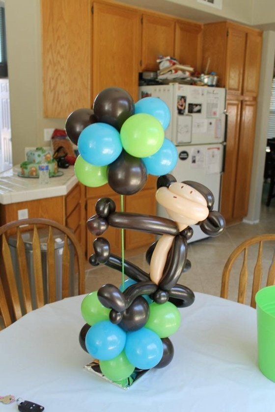 Monkey theme baby shower balloon centerpiece www for Monkey bathroom ideas