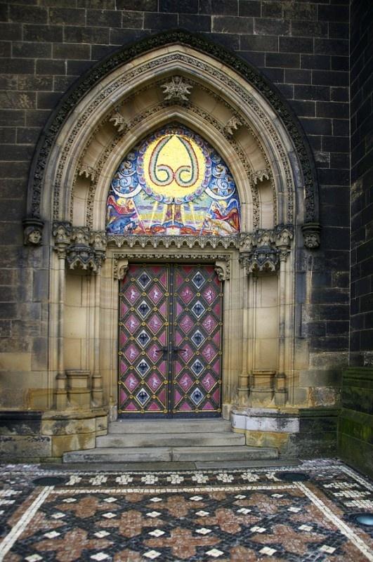 St. Petrus en Paulus kerk, in Vysrhrad herbouwd in Neogotische stijl.