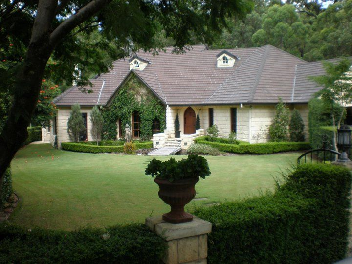 Evergreen Gardens = Gold Coast Wedding Venue
