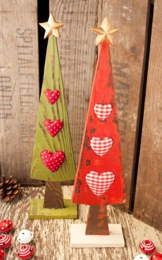 These would be cute as a kitchen wall hanging (lose the base) - the stuffed hearts would be a great place to pin a note!