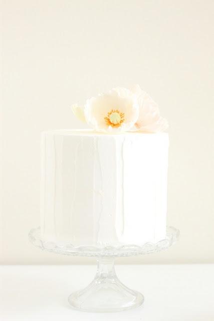 simple cake, sugar flower