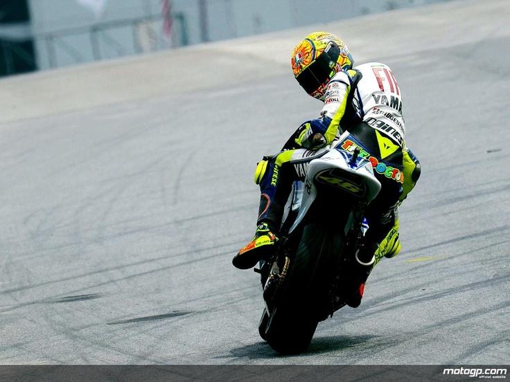 MOTO GP - Rossi Love this photo!back to Yamaha 2013!!!!
