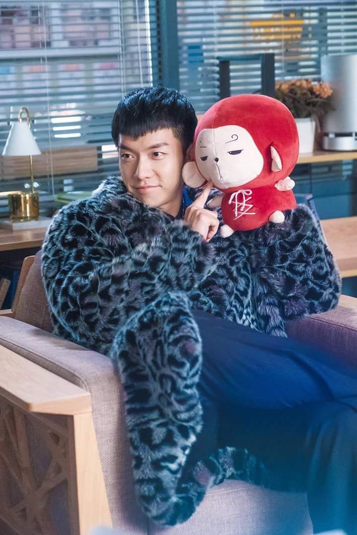 Lee Seung Gi (Monkey King in Hwayugi-A Korean Odessey with mini monkey)