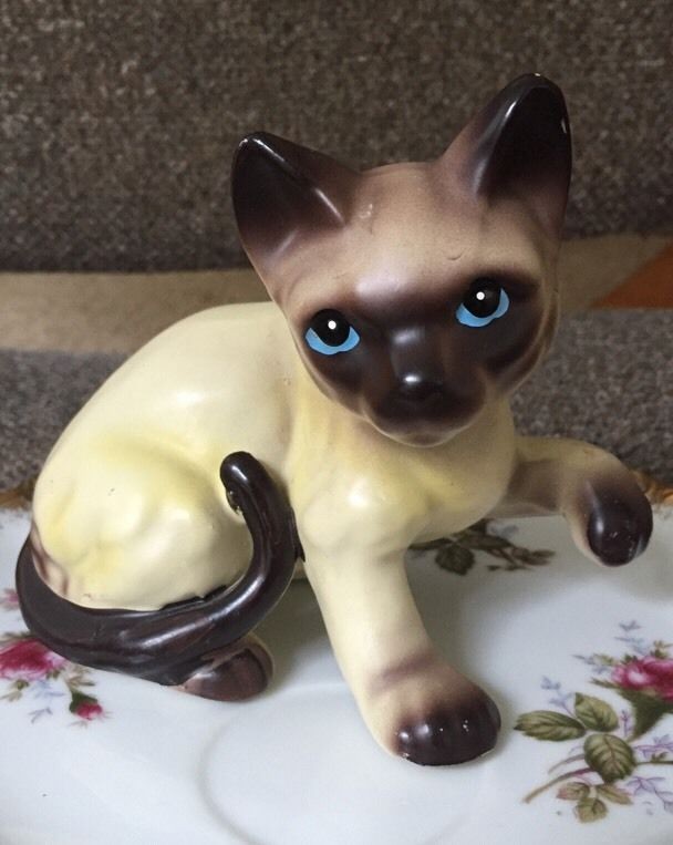 Grey Pottery Cat With Blue Dots