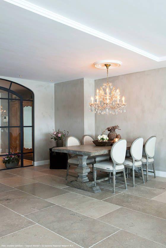 #Bourgondische dallen van Frans kalksteen - #Natuursteen - Vieux Manoir -Opkamer dallen - Bourgondische dallen ideeën | de-opkamer.nl