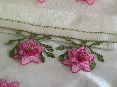 iğne oyası el havlusu örnekleri I love these Turkish flowers...must learn