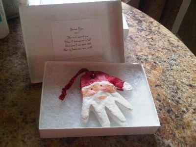 Santa Hand ornament-cool! I will be doing this with Bryson this year to give as a gift
