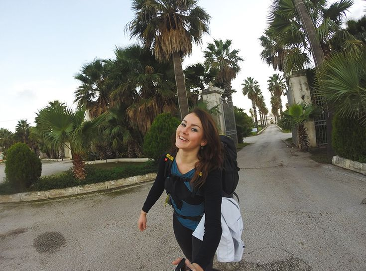 Chiara Magi - Sicilian Vibes - On the road with palm trees