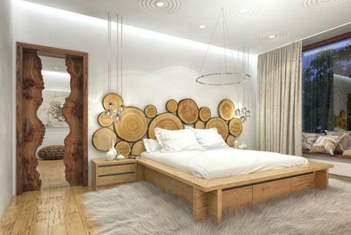 Изголовье кровати, украшенное спилами.